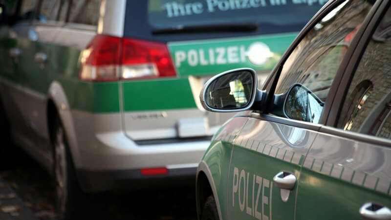 Rechtliche Grundlagen, Leistungen und Ausschlüsse der gängigsten Versicherungen für Fahrzeuge, Halter und Insassen
