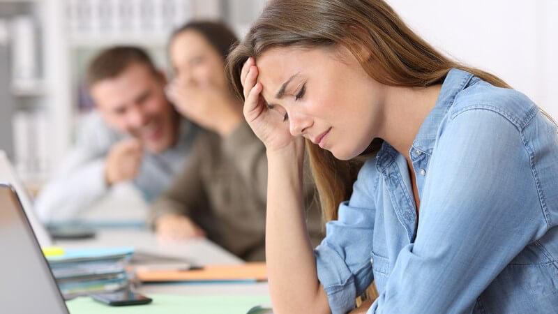 Lifestyle-, Männer- oder Familienclique - wer sich am Arbeitsplatz nicht ausgeschlossen fühlen möchte, muss aktiv werden