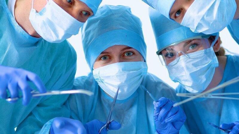 Zu welchen Problemen es nach einem operativen Eingriff kommen kann und wie man diese behandelt
