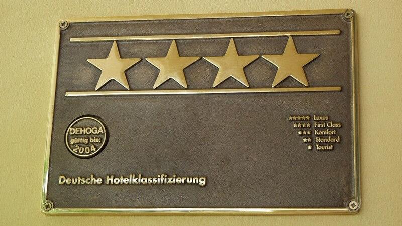 Über die jeweiligen Kriterien und Ausstattungsmerkmale von Hotels mit unterschiedlicher Sternanzahl