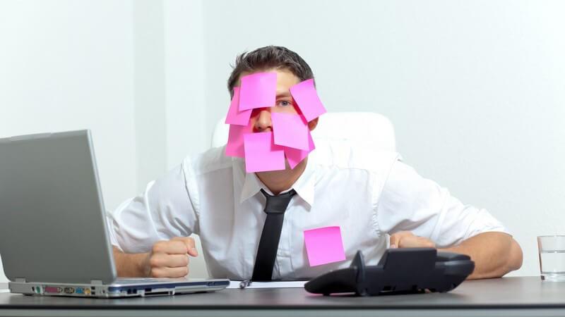 Um sich einen besseren Überblick zu verschaffen und strukturiert an ein Projekt herangehen zu können, hilft ein Arbeitsplan - was muss bei der Erarbeitung beachtet werden?