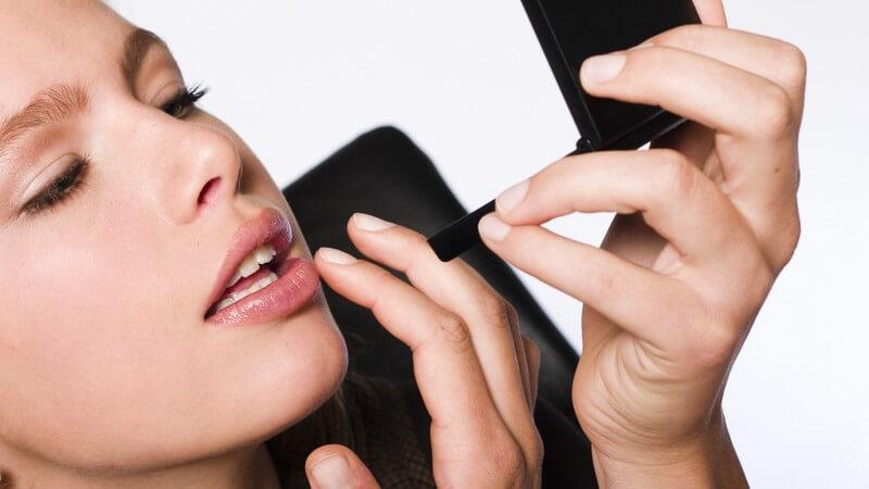 Lippengrundierungen gelten als Wunderwaffe für eine makellose und haltbare Lippenfarbe