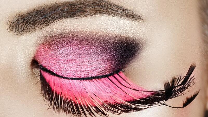 Cream Eyeshadow, Puderform, Stift & Co: Vor- und Nachteile verschiedener Lidschattenprodukte