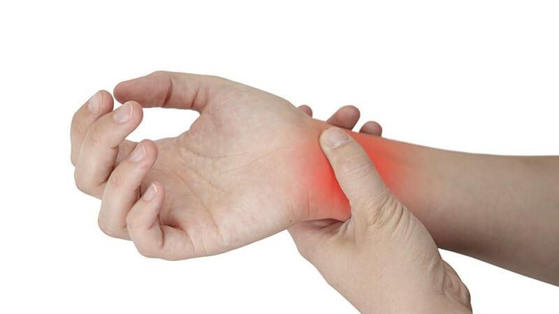 Die beiden hauptsächlichen Bewegungsmöglichkeiten des Handgelenks nennt man Palmarflexion und Dorsalextension