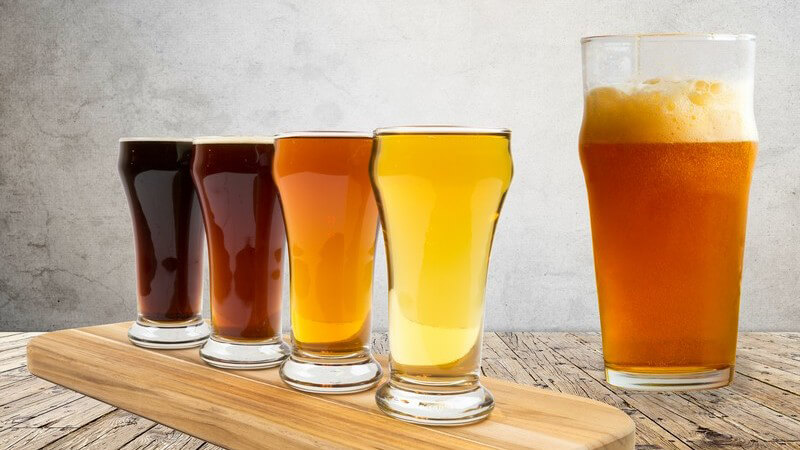 Zu den bekanntesten Biersorten Irlands zählen Guinness und Kilkenny
