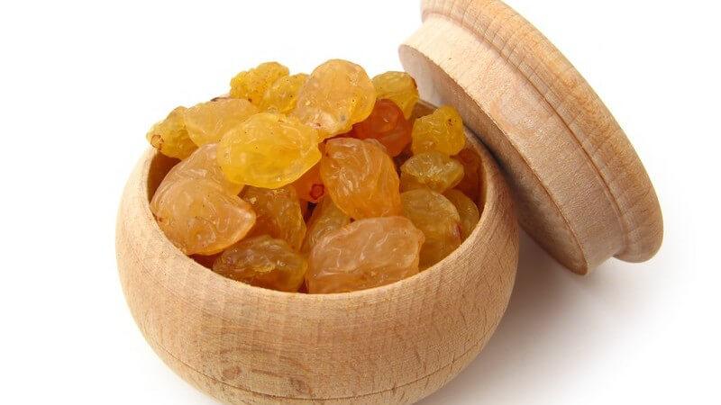 Sultaninen sind größer als Korinthen und schmecken süßer; aus Zibeben wird vorwiegend Wein hergestellt - man kann die Weintrauben auch selbst trocknen