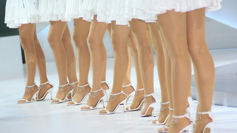 Bereits seit mehr als 400 Jahren sorgt der Petticoat für eine weibliche silhouette und lässt Röcke fliegen