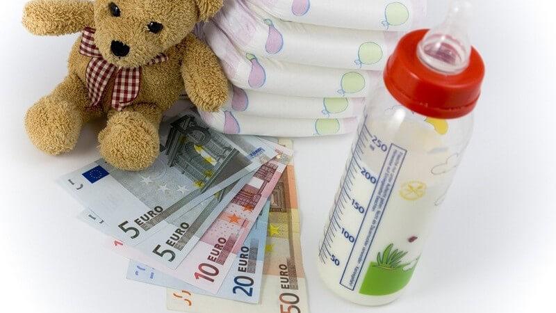 Beantragung und rechtliche Aspekte finanzieller Fördermöglichkeiten für junge Eltern, wie z.B. Kindergeld, Mutterschaftsgeld, Kinderzuschlag, Kinderbetreuungskosten und Co