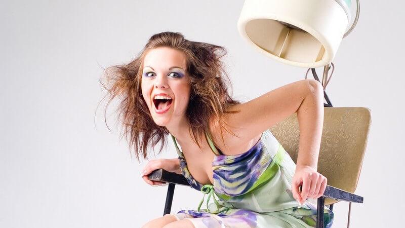 Einstige Modesünden und No Gos sind heute, in der Freizeit oder sogar im Büro, gern gesehen