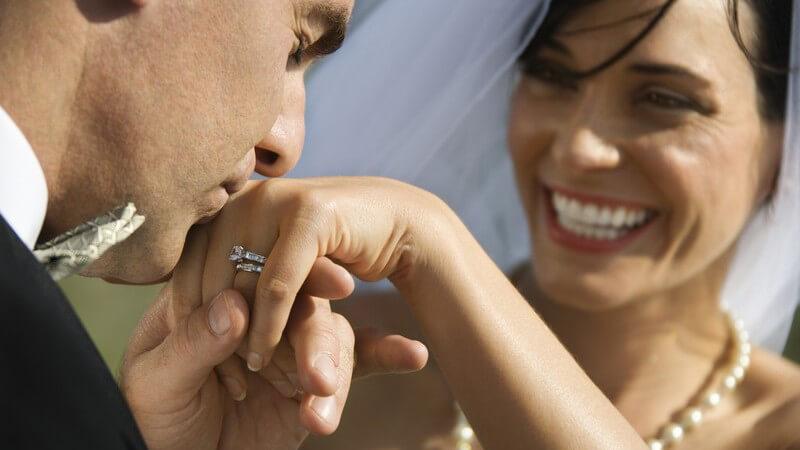 Klassisch, unkonventionell, romantisch oder alternativ - Was die Ausgestaltung der Hochzeit über den Charakter verrät
