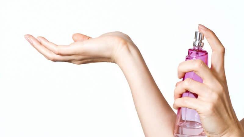 Wer an einer Duftallergie leidet, muss besonders vorsichtig im Umgang mit Parfums sein