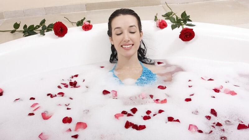Mit den richtigen Zusatzstoffen im Badewasser kann man bemerkenswerte und vielseitige Zwecke erzielen