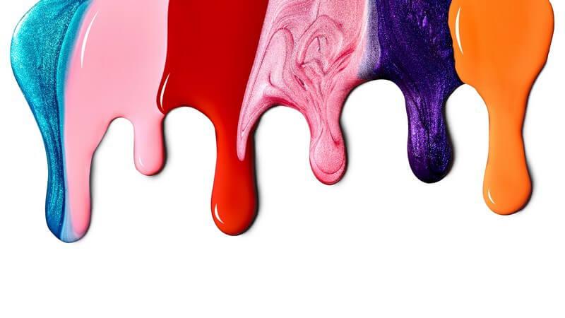 Wir erklären, welche Möglichkeiten des Mischens von Nagellacken es so gibt und welche Farben sich dafür besonders eignen