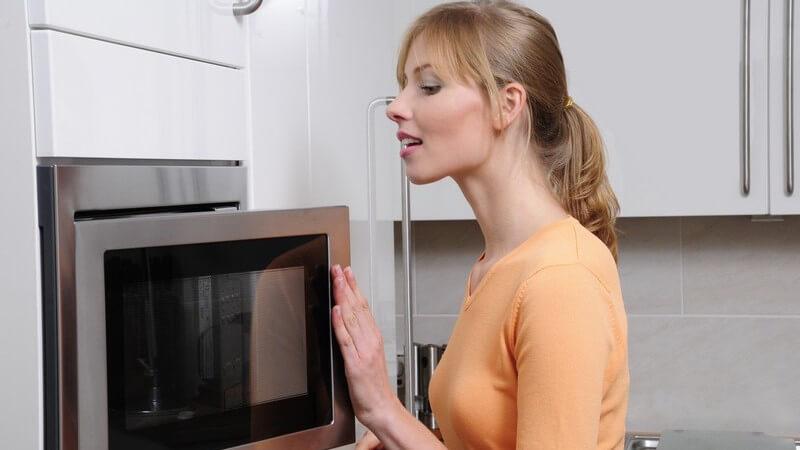Kartoffeln können auf unterschiedliche Art und Weise in der Mikrowelle zubereitet werden