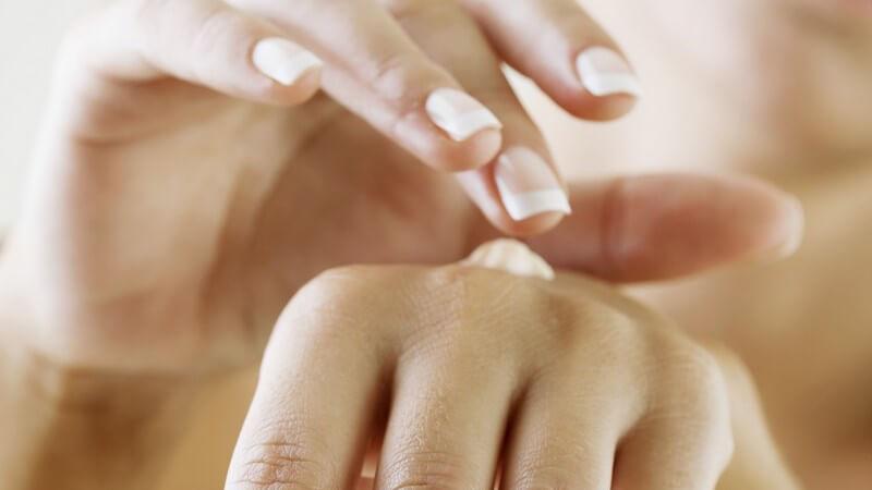 Dünne und extrem trocke Haut bedarf einer umfassenden und reichhaltigen Pflege