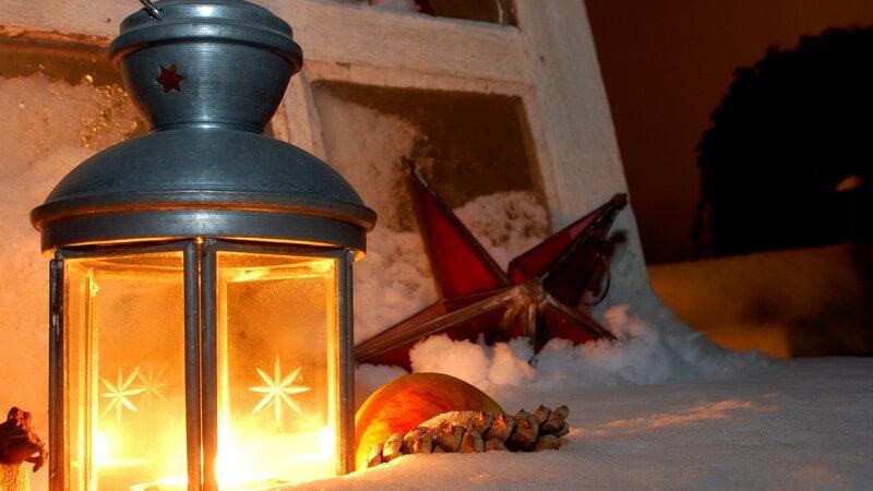 Für viele Menschen bedeutet Weihnachten Stress pur; Singles wiederum fürchten die Einsamkeit - wir geben Tipps für ein gelungenes Fest und informieren über typische Bräuche