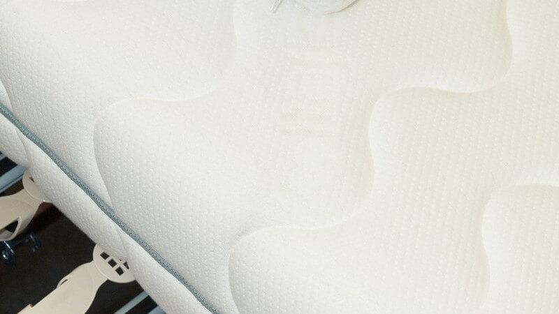 Die Matratze vor Abrieb schützen, schonen und verstärken