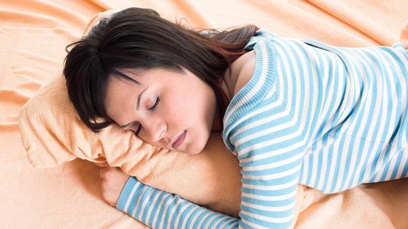 Welches Bett und welche Matratze für den Bauchschläfer?