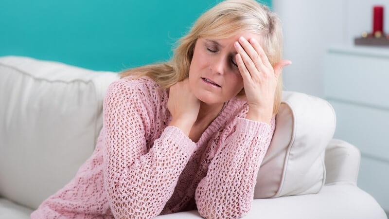 Krankhaftes Blinzeln der Augen durch dauerhafte Kontraktion der Augenmuskeln