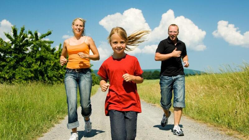 Tipps für Erwachsen und Kinder für mehr Bewegung im Alltag