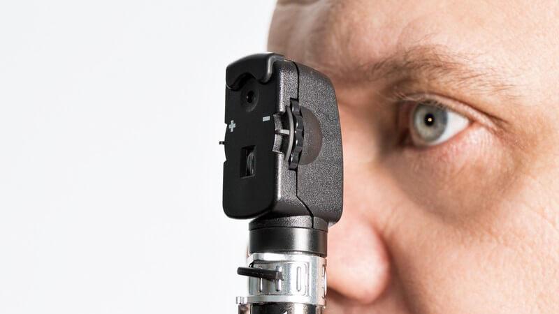 Häufige Begleiterscheinungen sind Schwindelgefühle aufgrund von Augenzittern