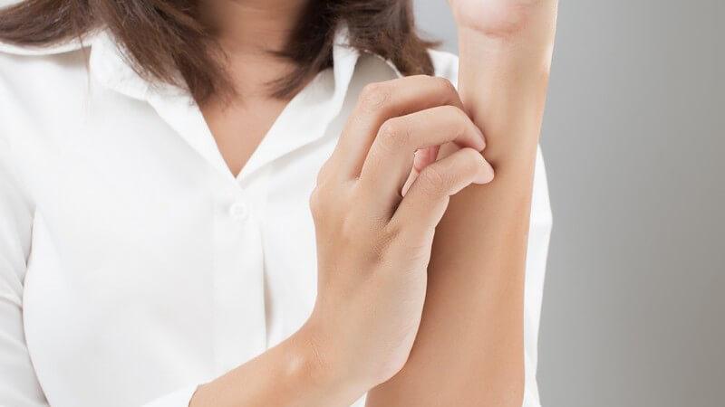 Herpes gilt als häufigster Auslöser dieser Hautkrankheit