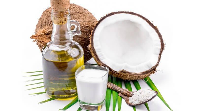 Kokosöl passt zu vielen Speisen; auch Braten und Frittieren ist damit möglich