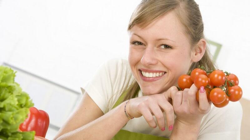 Die kleinen Tomaten sind ein beliebter Snack zwischendurch und lassen sich auch ganz leicht auf dem eigenen Balkon anbauen