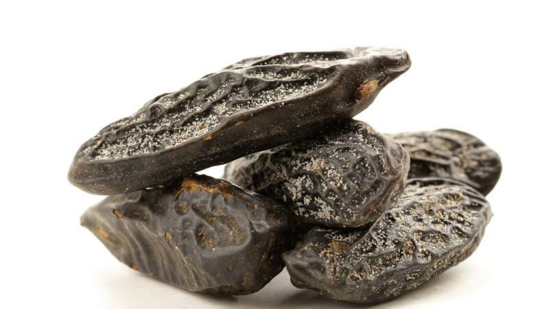 Hat einen vanilleähnlichen Geschmack und wird oft zur Verfeinerung von Desserts und Kuchen verwendet