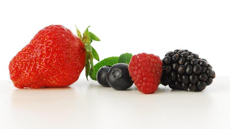 Zu dieser Obstart zählen z.B. Erdbeeren, Himbeeren, Brombeeren, Heidelbeeren und Johannisbeeren