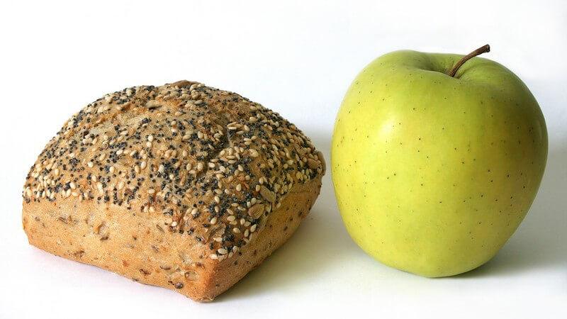 Golden Delicious-Äpfel sollten vor dem Verzehr gelagert werden für ein besseres Aroma