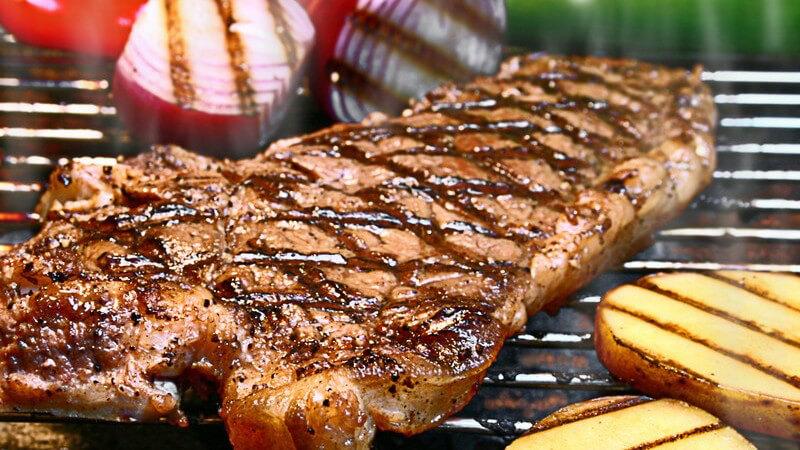 Den Schweinenacken verwendet man meist für Koteletts oder auch als Grillgut