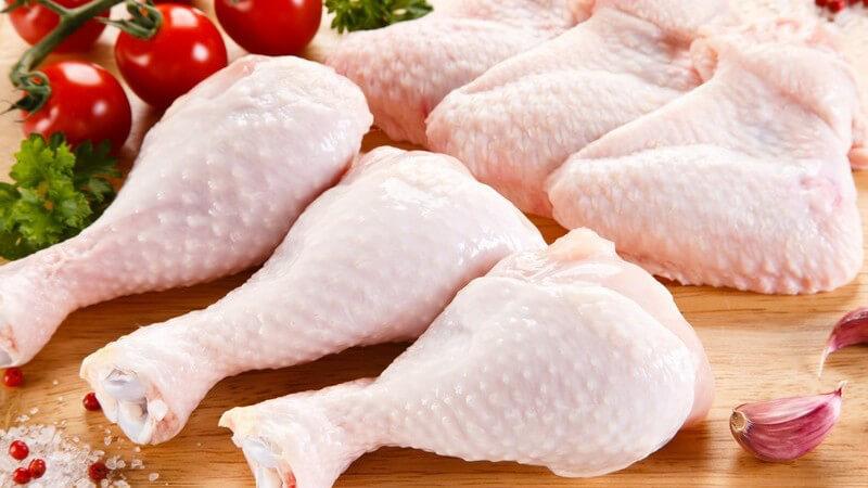 Beliebt sind beispielsweise Hühnerbrühe sowie Hühnerfrikassee
