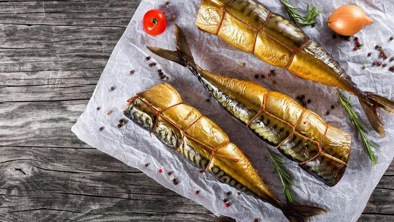 Besonders gut schmecken Makrelen vom Grill oder geräuchert