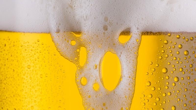 Helles ist ein untergäriges, helles Bier