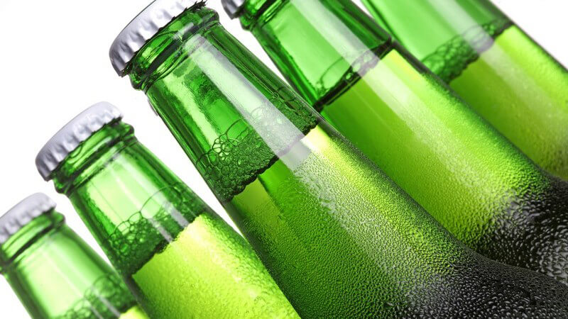 Glas wird eigentlich meist bei Mehrwegflaschen eingesetzt.