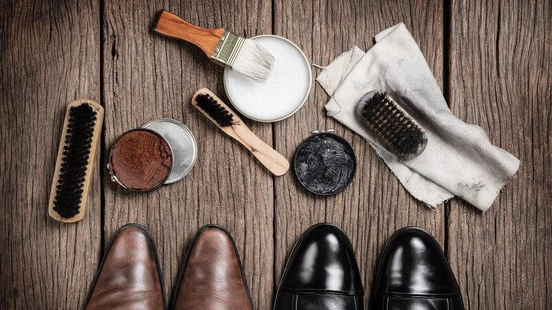 Pflege ja, Glanz nein: Schuhe aus Wild- oder Veloursleder bedürfen einer besonderen Pflege
