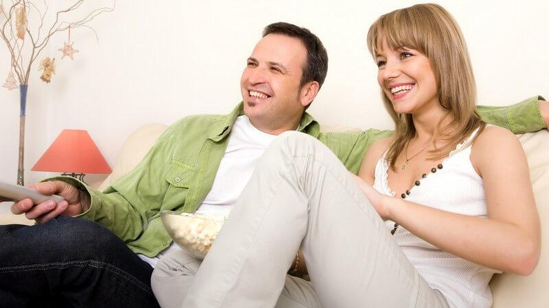 Filmkomödien möchten die Zuschauer zum Lachen bewegen, während das Melodram vor allem auch einen rührenden Charakter aufweist