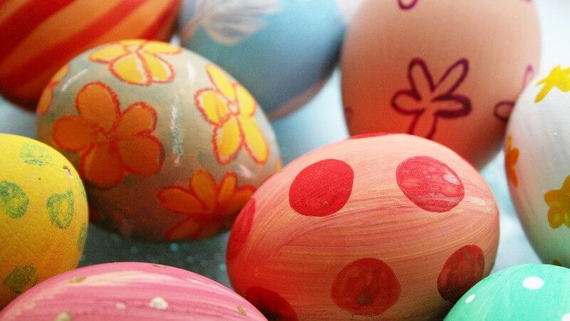 Bemalte Ostereier sind fröhlich bunt und hübsch anzusehen, doch wie lange halten sie sich?