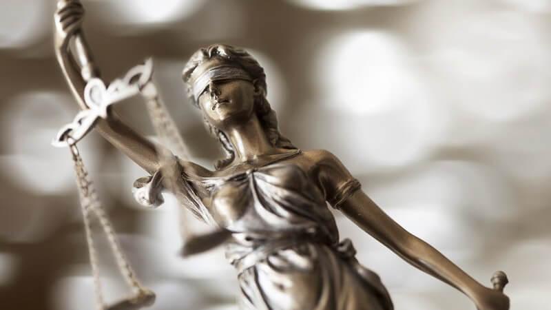 Welche Pflichten und Rechte eine Eheschließung mit sich bringt und warum immer mehr Ehen beim Richter enden