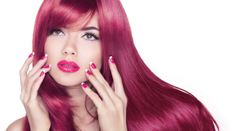 Sowohl die Tönung als auch die Coloration der Haare haben so ihre Vor- und Nachteile