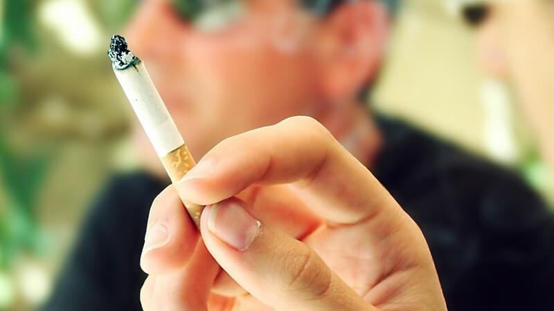 Aschenbecherreinigung und Co: Frischer Geruch in der Wohnung trotz Rauchern