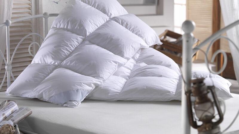 Von Federn bis zum Bambus - Eigenschaften unterschiedlicher Füllungen einer Bettdecke