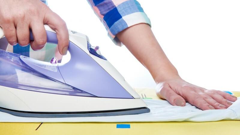 Bügeln leicht gemacht mit dem richtigen Bügeleisen