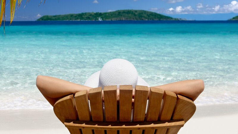 Den Urlaub getrennt zu verbringen, kann einige Vorteile mit sich bringen - wir zeigen, was man dabei beachten sollte