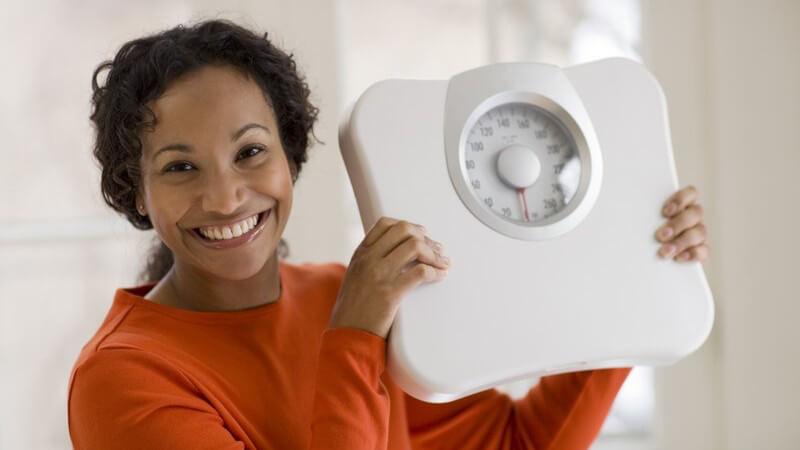 Wissenswerte Grundlagen der 5-Faktor-Diät: Fünf tägliche Mahlzeiten, fünf Nahrungsmittel, fünf Trainingseinheiten, fünf Schlemmertage