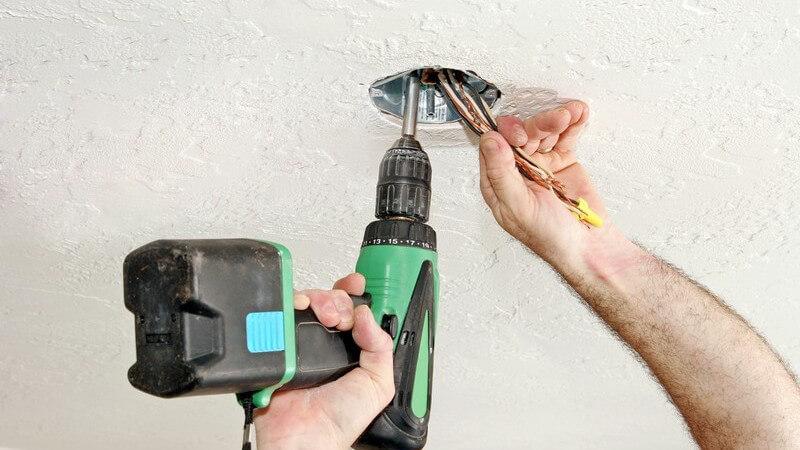 Tipps zum Befestigen einer Deckenlampe