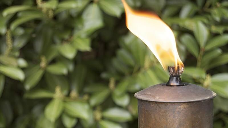 Hinweise zum Nachfüllen von Gas- und Benzinfeuerzeugen