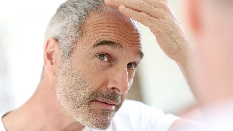 Tipps zur Auswahl des richtigen, hochwertigen Haarersatzes, zu seiner Befestigung und Pflege