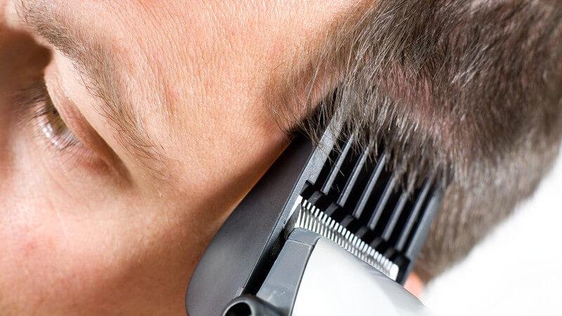 Wir erklären, worauf Sie beim Kauf sowie bei der Reinigung und Pflege eines Haarschneiders achten müssen